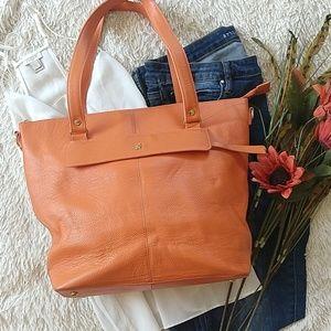 Ora Delphine orange purse